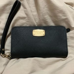 Michael Kors Wallet with a Phone Pocket!